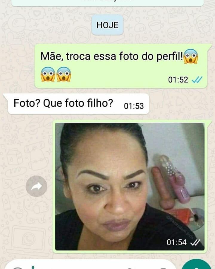 Filho bolado com a foto de perfil da mãe no Whatsapp